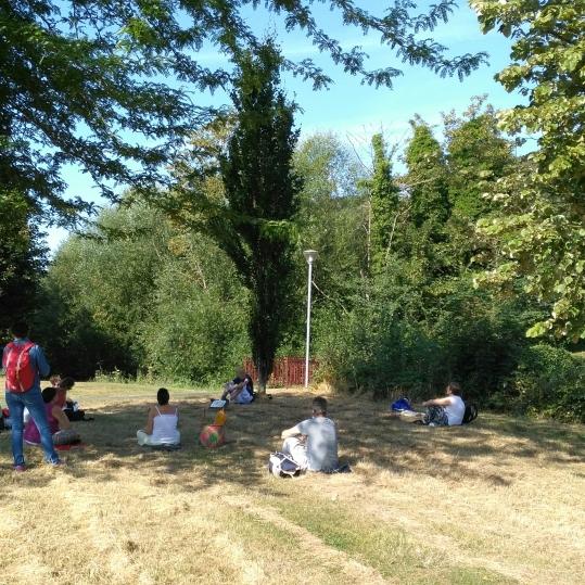 sophrologie séance en groupe collective nature plein air Corinne Dunocq sophrologue seine maritime ENS 76 Nord de Rouen Montville 76710